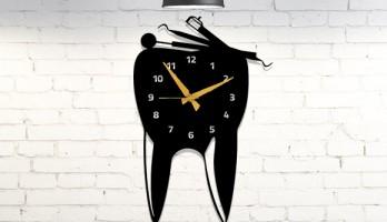 Diş Doktorları, Dişçilere Özel Metal Duvar Saati